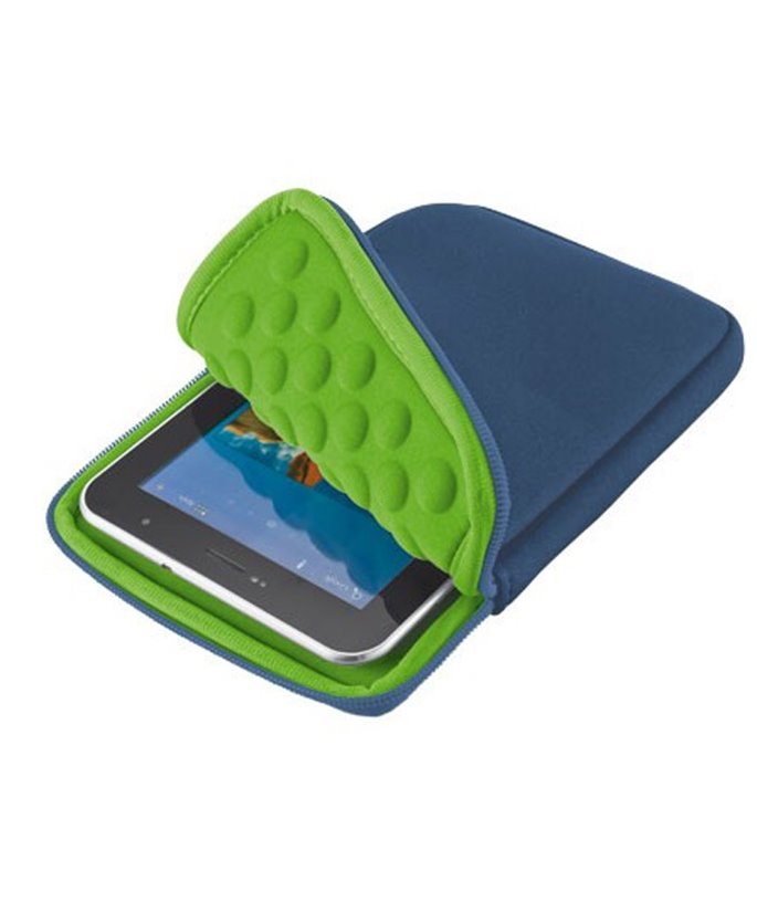 Trust 7-8-inch Anti-Shock Bubble Sleeve for tablets - blue